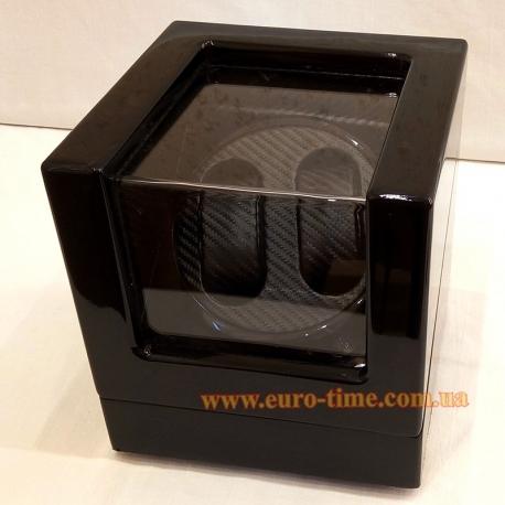 Шкатулка для завода механических часов с чёрной внутренней отделкой